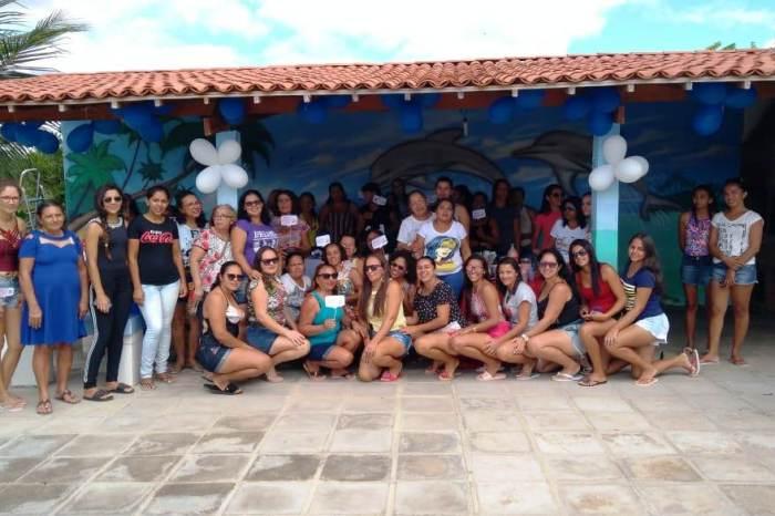 Lazer e dia na piscina fizeram parte das comemorações do Dia das Mães na Escola Benícia