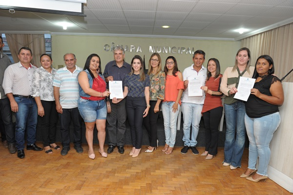 Prefeita Anna Lorena empossa aprovados no Processo Seletivo de Monteiro