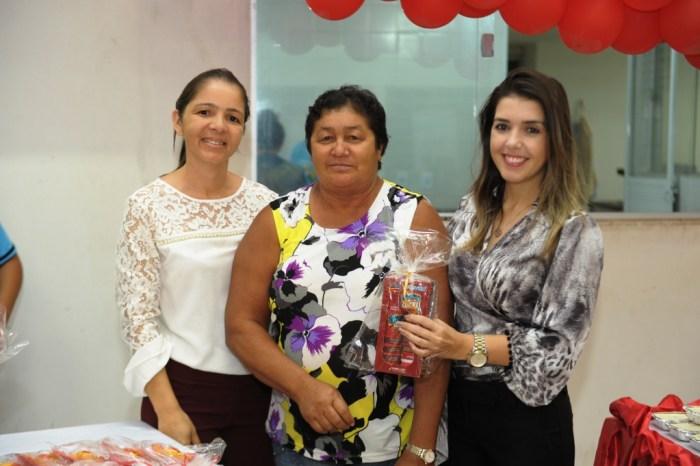 Grupo de Idosos do Centro de Convivência de Monteiro comemora Dia das Mães