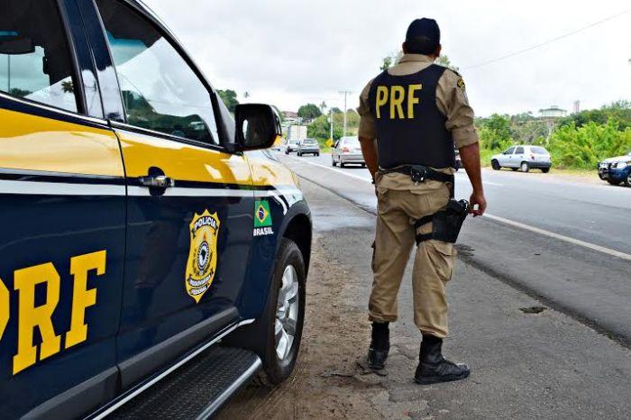 Polícia Rodoviária Federal recupera carro roubado em Pernambuco