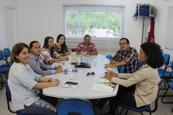 Reunião discute parcerias para o projeto Umbu do Cariri no Centro de Desenvolvimento da UFCG
