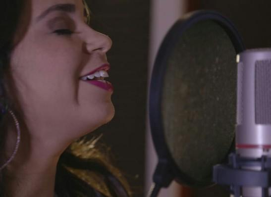 Monteirense Jacqueline Freire grava seu primeiro CD