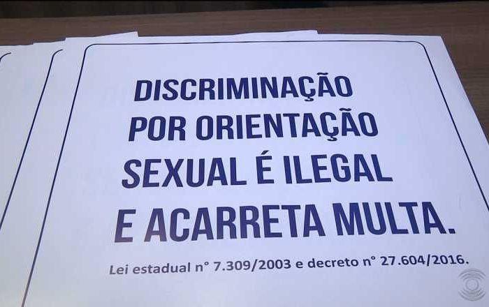 PMN é contra revogação de lei que obriga placa sobre discriminação sexual