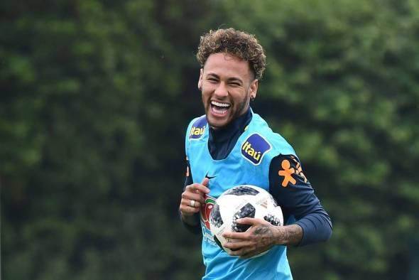 Neymar deve começar amistoso contra a Croácia no banco