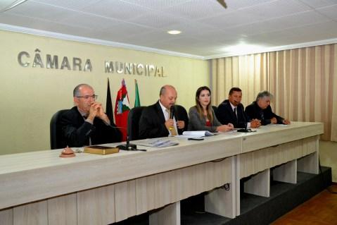 Câmara de Monteiro parabeniza prefeita Anna Lorena pela passagem de seu aniversário