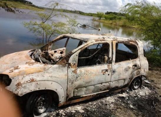 Veículo de policial militar assassinado a tiros é encontrado queimado no Cariri