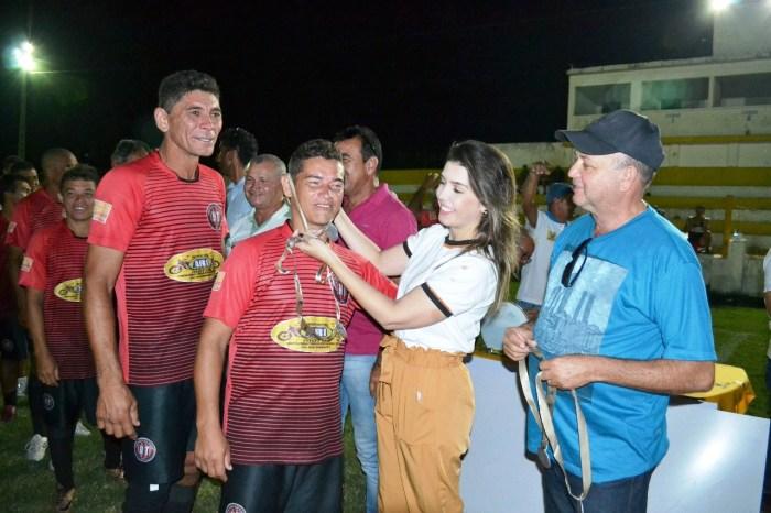 Prefeita Anna Lorena entrega premiação da 1ª Copa Dr. Chico de futebol para veteranos