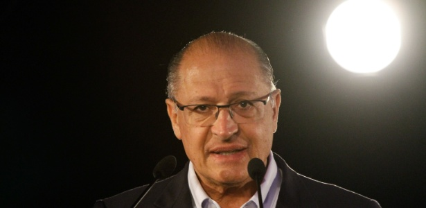 Alckmin se irrita com pergunta sobre retirada de candidatura