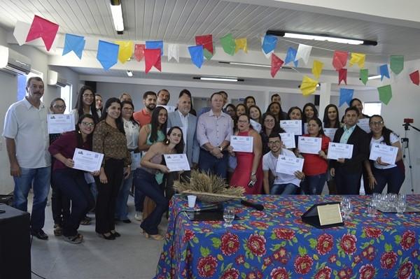 Assistência Social: Alunos de curso de oratória recebem certificados na cidade de Gurjão