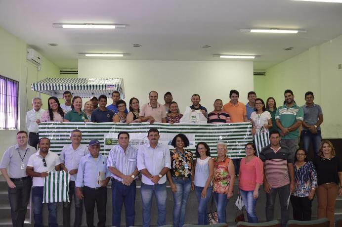 Agricultores Familiares do Cariri Paraibano receberam kits-feira no Incra nesta sexta