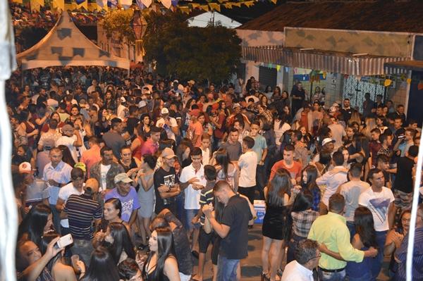 Prefeitura Municipal realiza São João Tradição de Gurjão em praça pública