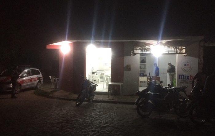 Banca de apostas online é assaltada por homens em uma moto em Monteiro