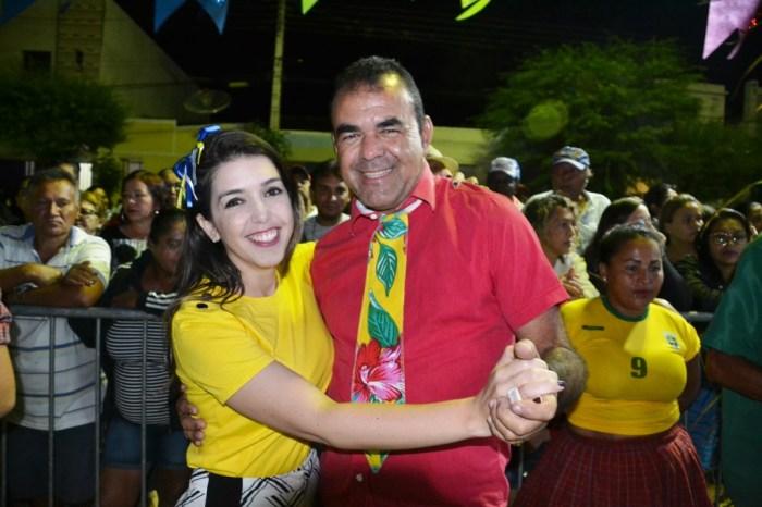 Alegria e emoção se tornam marca registrada da 1ª Quadrilha Matuta de Idosos de Monteiro