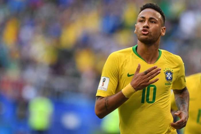 Brasil vence o México por 2 a 0 e avança às quartas da Copa