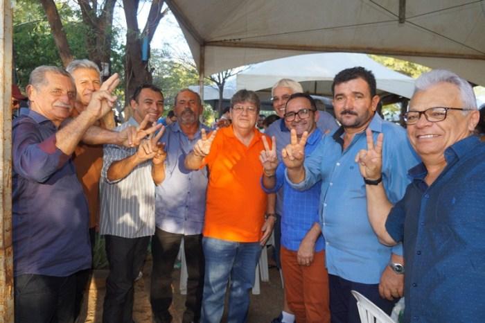 Prefeitos do Cariri participam de evento em apoio a Efraim, João Azevêdo e Veneziano