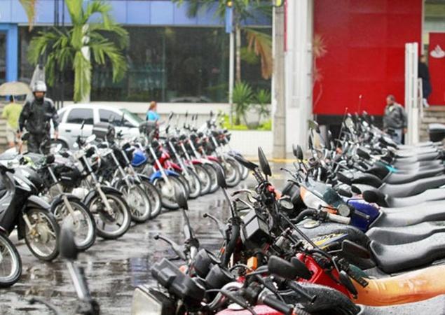 Em 89% dos municípios da Paraíba há mais motos que carros