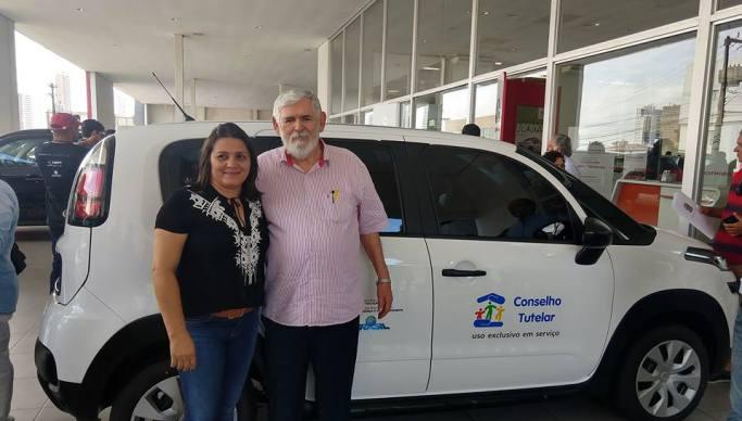 Conselhos tutelares de Cariri recebem veículos e kits de deputado federal