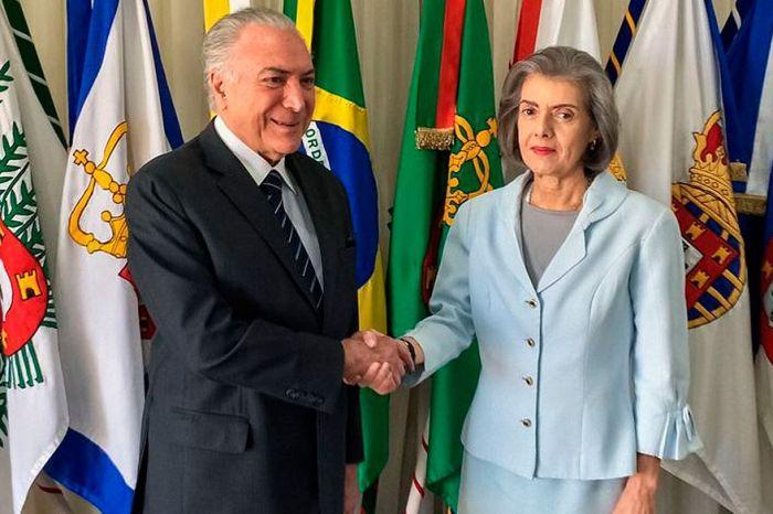 Cármen Lúcia assume novamente a Presidência da República