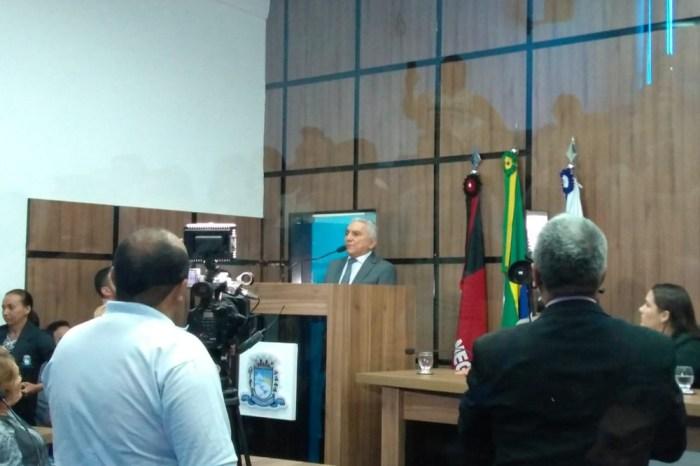 Após afastamento de prefeito, vice assume prefeitura de Patos