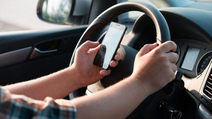 Uso do celular no trânsito causa mais de 1 mil multas na PB