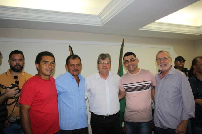 Carlos Batinga recebe apoio de novas lideranças em Lagoa de Dentro