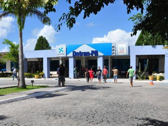Detran-PB suspende transferência de veículos de outros estados