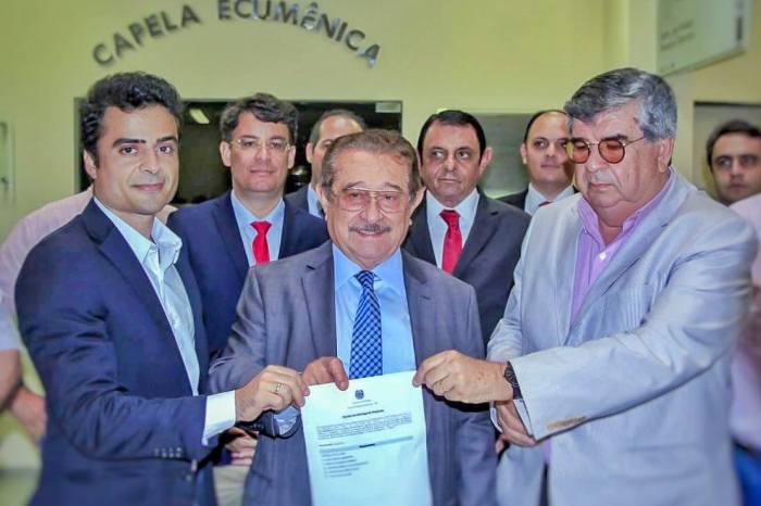 Maranhão registra candidatura e defende voto sem amarras