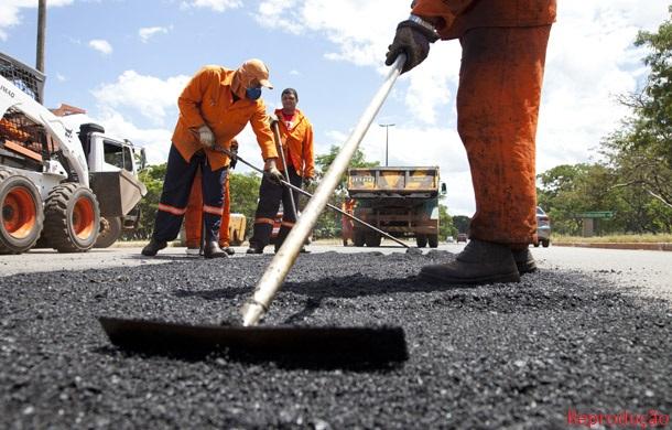 DER recomeça serviços da Operação Tapa Buraco e contempla várias rodovias no Cariri