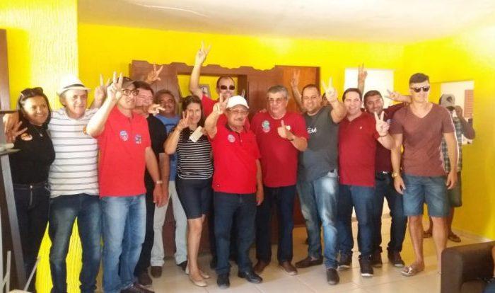 Zé Maranhão participa da procissão de Nossa Senhora dos Milagres em São João do Cariri