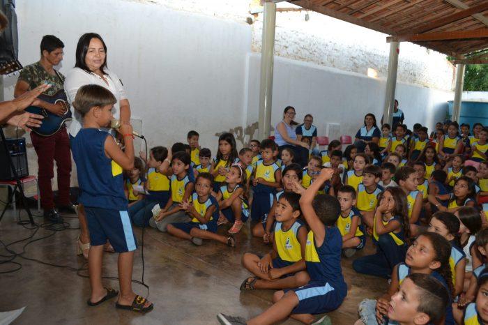 Escola Municipal realiza dia de Ação de Graça em Monteiro