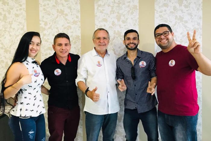 Pavimentando vitória: Carlos Batinga recebe apoio de lideranças em Taperoá