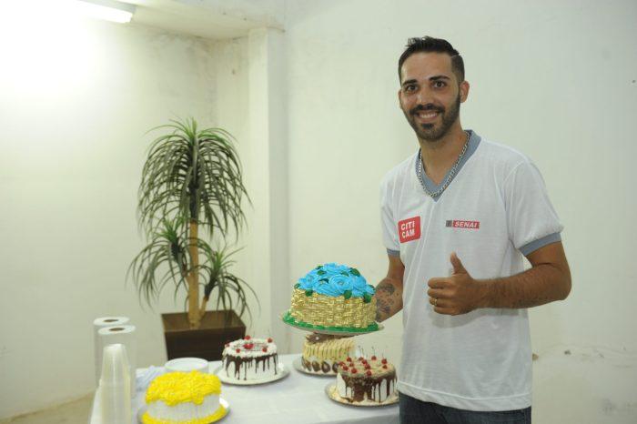 Curso de Confeiteiro em doces e salgados forma 32 novos profissionais em Monteiro