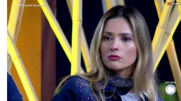 """Nadja Pessoa é expulsa de """"A Fazenda"""" após agressão"""