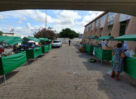 Prata realiza 1° Feira Agroecológica no município e estimula alimentação saudável