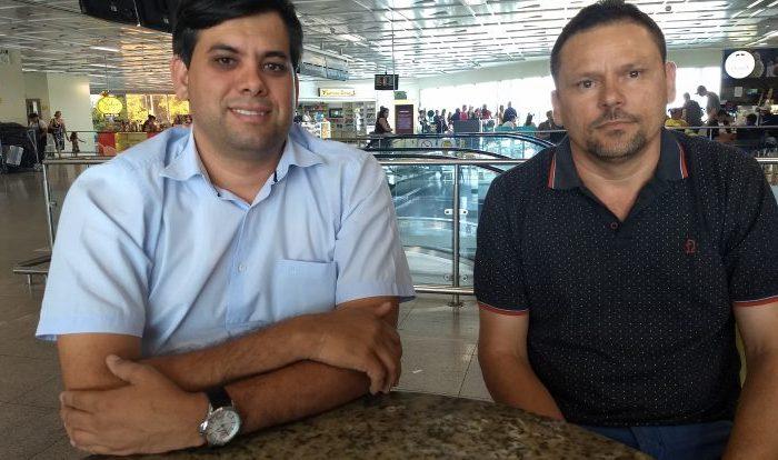 Prefeito de Cabaceiras viaja para Brasília com secretário de Desenvolvimento Social