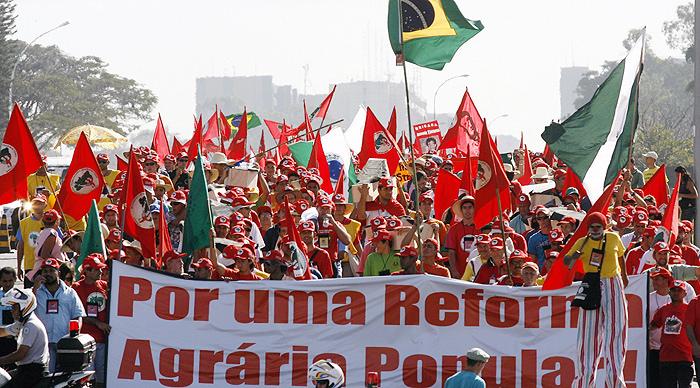 Trabalhadores Sem Terra são metralhados e assassinados na PB