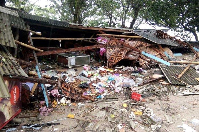 Tsunami atinge a Indonésia e deixa pelo menos 168 mortos