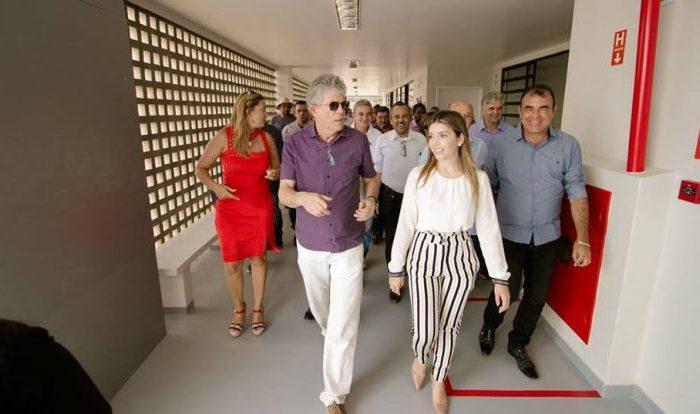 As honras da casa: prefeita de Monteiro recepciona Ricardo e agradece investimentos