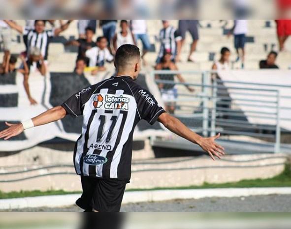 Treze estreia com goleada de 3 a 0 sobre o Esporte de Patos