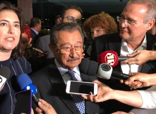 Maranhão assume 'interinamente' liderança do MDB no Senado