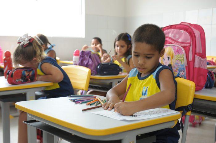 Secretaria de Educação de Monteiro informa sobre matrículas para novatos