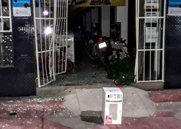 Depois de Cabaceiras, Gangue da Marcha à Ré arromba loja Moveletro em São Domingos do Cariri