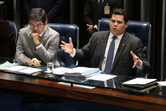 Senadores propõem 483 emendas à reforma da Previdência