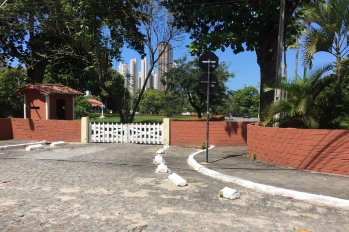 João Azevêdo recebe ministro de Bolsonaro na Granja Santana