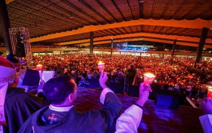 Crescer é encerrado em Campina Grande com luz de 16 mil velas