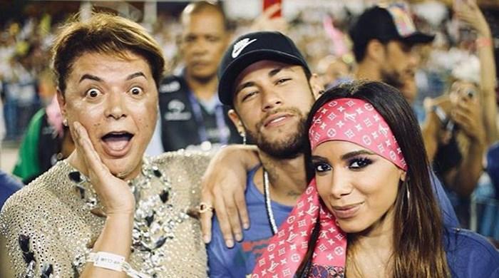 Vídeo mostra beijo de Neymar e Anitta em camarote da Sapucaí