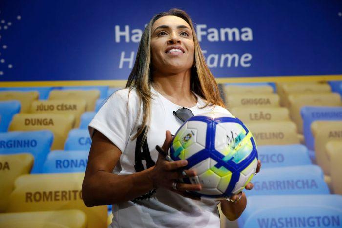 Marta defende esporte na busca por igualdade de gênero