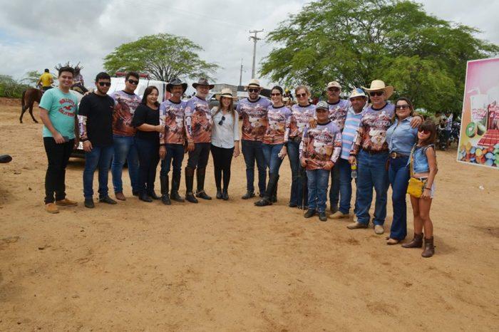 Cavalgada da Integração reúne centenas de cavaleiros e lideranças políticas em Monteiro