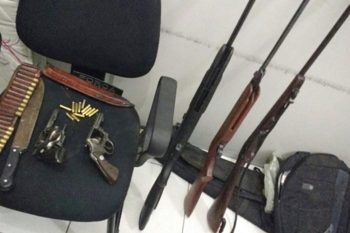 Dois homens são presos suspeitos de roubo a casa no Cariri paraibano