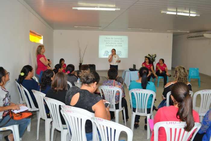 Napse realiza formação para cuidadores de crianças e adolescentes com deficiência